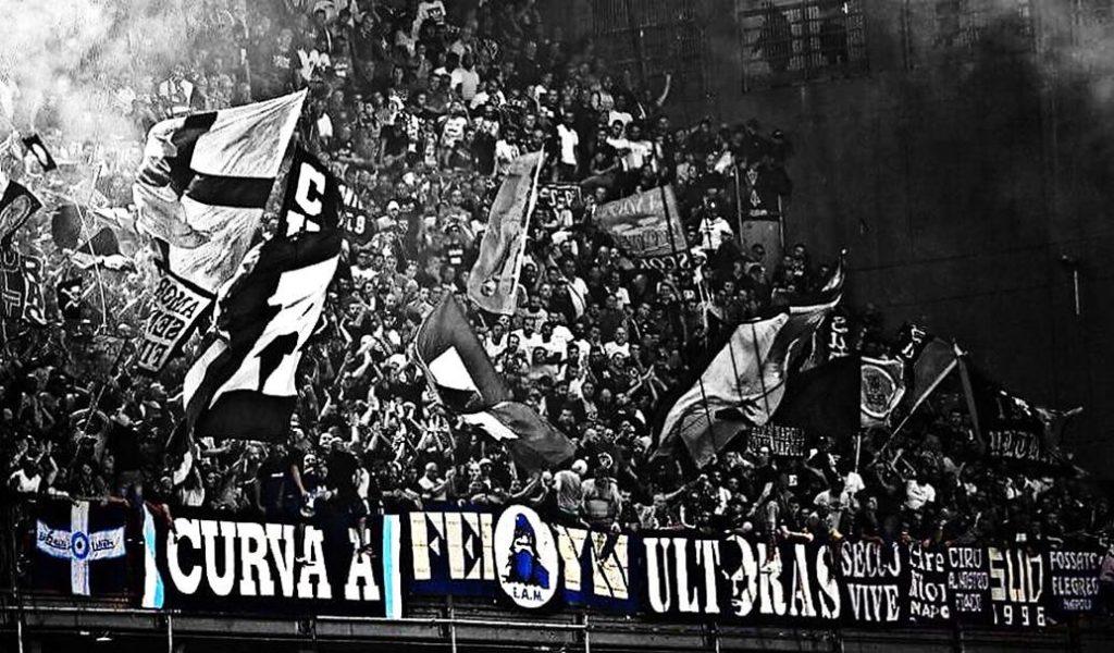 Ultras_Napoli_Trasferta_BW